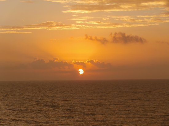 The Breakers Resort : A view of the sunrise from my balcony