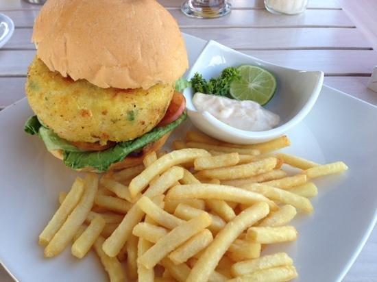 Terrasse du Lac Tamblingan Sari: Tuna Burger