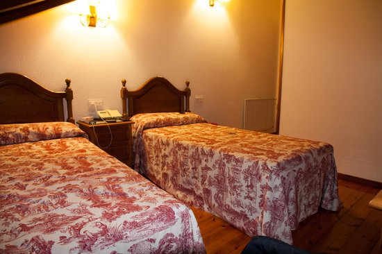 Hotel Puente Romano: Habitacion 3 planta.