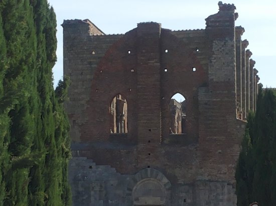 Locanda di Tocchi: Abbazia di San Galgano