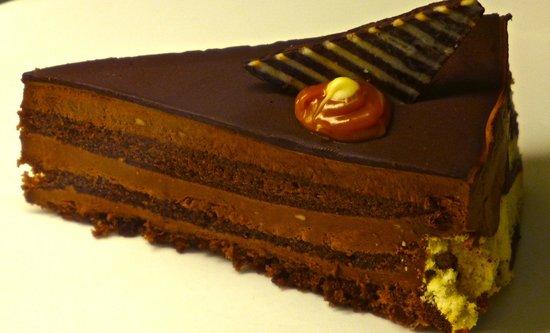 Cafe Reale : Fabulous chocolate cake