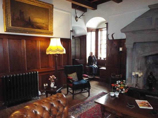 Barcaldine Castle: The Grand hall