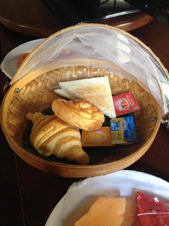 Nyuh Bali Villas: Bread basket