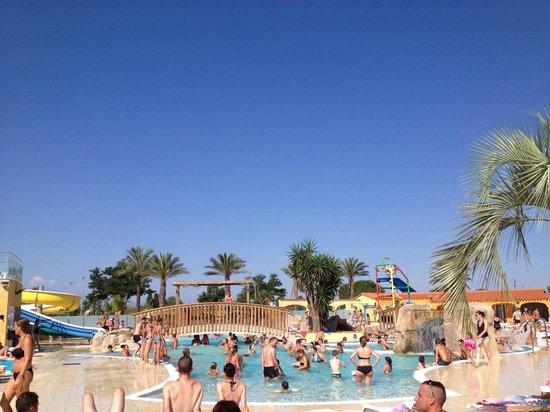 Camping Le Soleil de La Mediterranee : Espace aquatique
