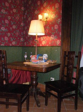 Chiaja Hotel de Charme: dining table