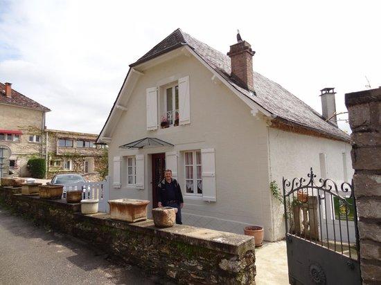 La Maison de Monique may 2012