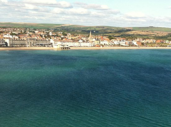 B+B Weymouth: Hotel is at left end