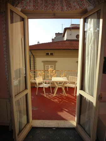 Hotel Massimo D'Azeglio : View from my room