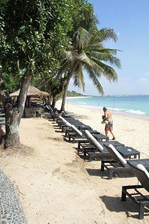 Melia Bali Indonesia: Beach
