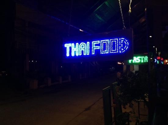 Simple Life Restaurant: simple life thai food