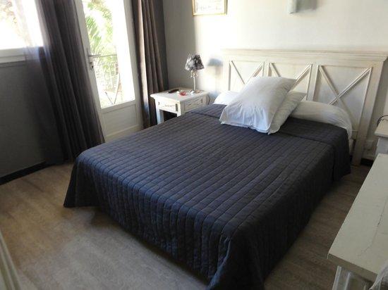 Hotel le Grillon : Notre chambre