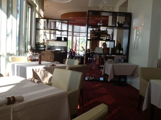 Beau-Rivage Hotel: Breakfast room