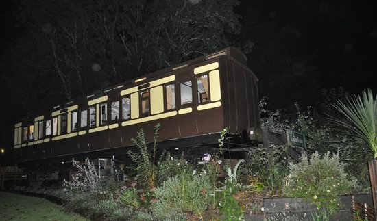 Railholiday - The Old Luggage Van and The Travelling Post Office: The slip coach at night