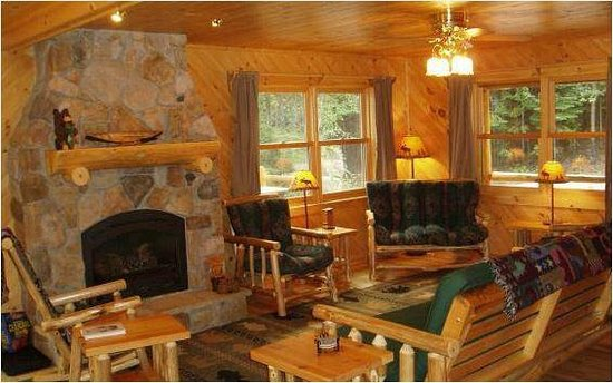 Timber Trail Lodge and Outfitter: Diamond Willow Living Room