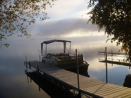 Timber Trail Lodge and Outfitter: Dock