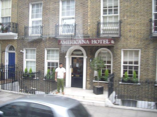 Americana Hotel: nurj...by bus
