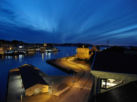 Clarion Collection Hotel Havnekontoret: View from the tower at dusk