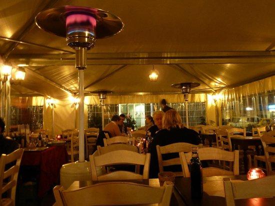 Pierre Hotel Florence : RESTAURANTE EN UNA PLAZA DE FLORENCIA