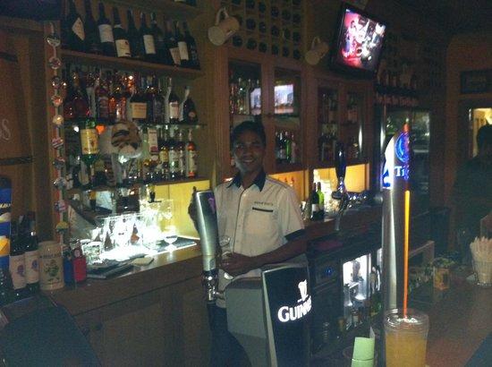 Healy Mac's Irish Bar & Restaurant : Sohen doing what he does best