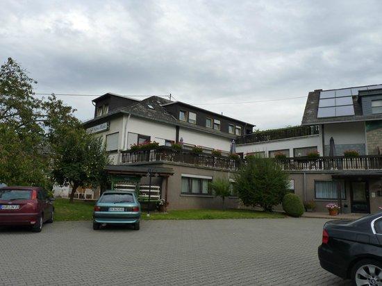 Kühns Mühle: Парковка у отеля