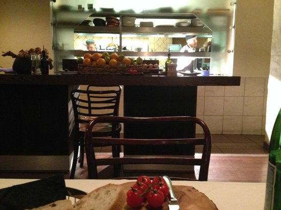 Pescatori Fish & Seafood Restaurant Charlotte St: Great seat for cooks!