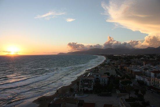 Florenza Residence: Blick von der Veranda über Sperlongas Strand