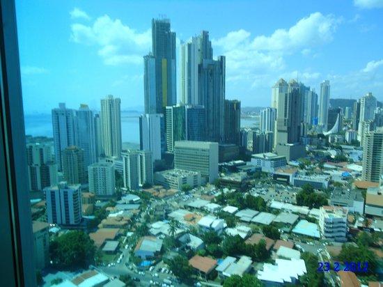 Hotel Riu Plaza Panama: vista lateral muito bonita