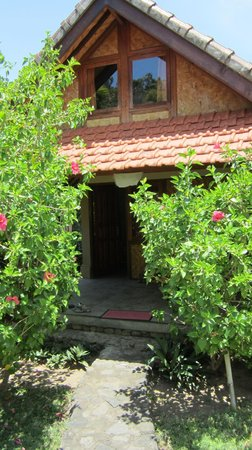 Le Jardin : outside view of the bungalow