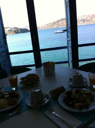 Mykonos Theoxenia : View from breakfast dinning room
