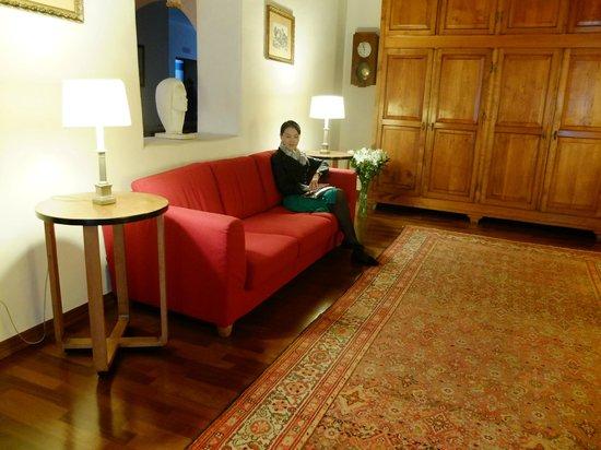 Hotel Due Mori: ホテルのスタッフの方にロビーで撮っていただきました。
