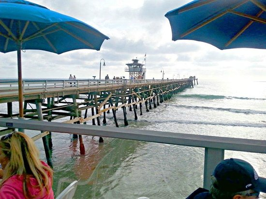 Fisherman's Restaurant and Bar: View of the pier from the Oyster Bar side.