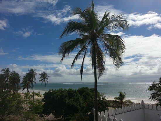 Southern Palms Beach Resort : Ons uitzicht vanaf het balkon