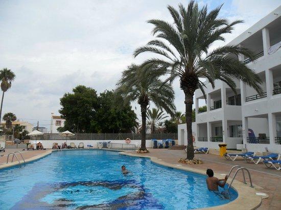 OLA Aparthotel Cecilia: Pool