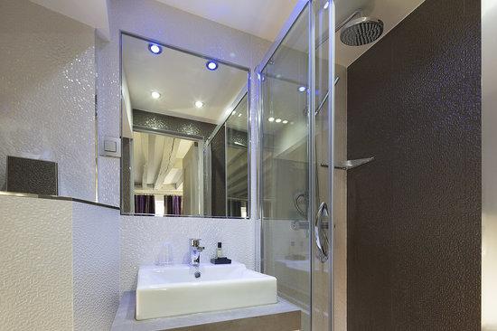 Hotel Jacques de Molay: Salle de bain