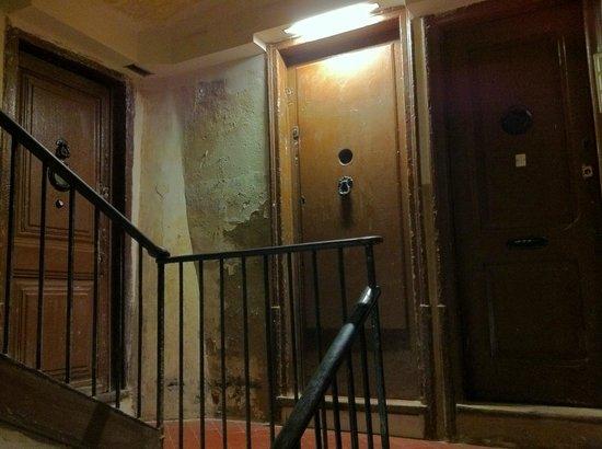 MapaMundo Barcelona: hostel entry