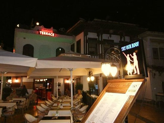 "Three Palms Restaurant: Restaurant seen from the ""seaside"""