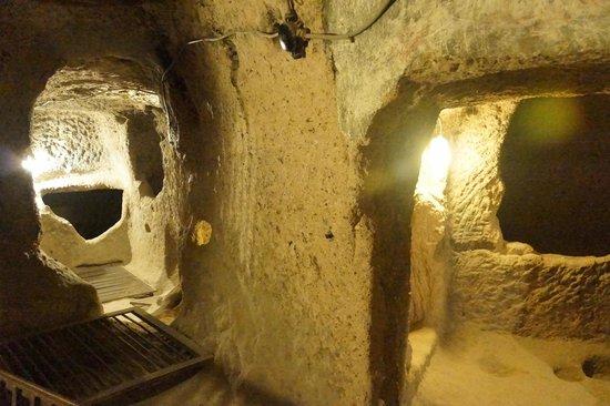 Mazi Yeralti Sehri: Glimpse down different passages