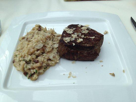Borgo Agnese: Mashrooms risoto and steak