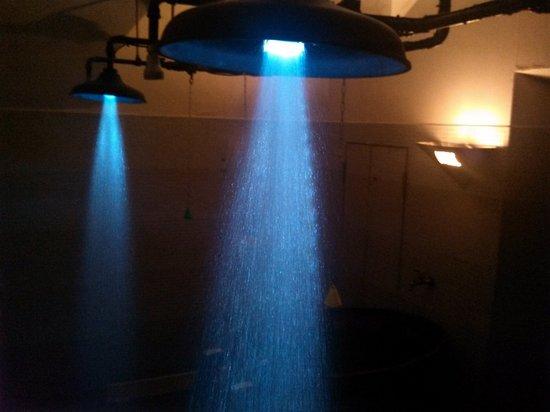 Gothicsauna: Showers