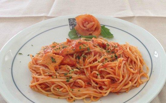 Trattoria Da Catine : Spaghetti con trota affumicata