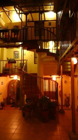 Hotel Casona les Pleiades: Inside the courtyard of the hotel