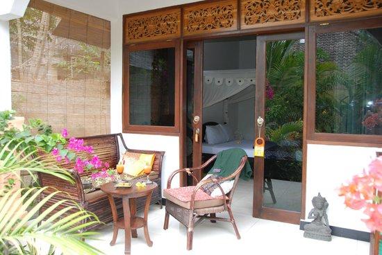 Gili Nyepi: Esterno della camera