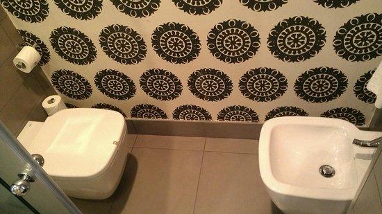 Vincci Seleccion Posada del Patio : Separate toilet/bidet