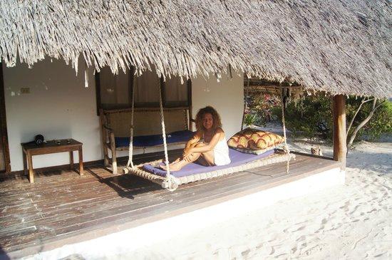 Hakuna Majiwe Beach Lodge: patio