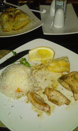 City Grill: Fresh Fried Calamari - nice soft texture