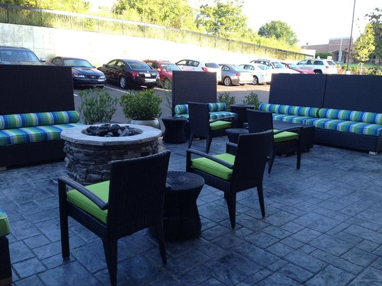 Home2 Suites by Hilton Nashville Airport: Fire Pit