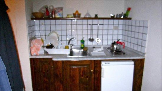Castello di Montegufoni: partial kitchen