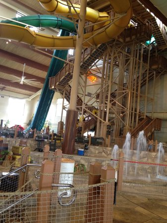 Great Wolf Lodge Grapevine: slides