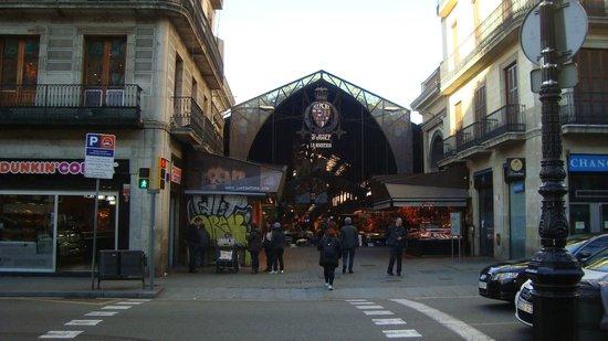 Hostel Fina: cerca del mercado La Boqueria y Ramblas