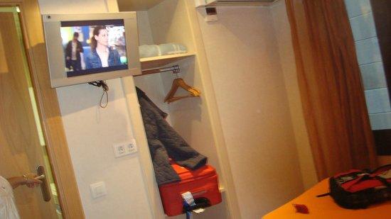 Hostel Fina: habitacion moderna